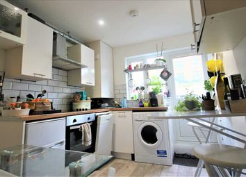 Thumbnail 4 bed flat to rent in Baker Street, Brighton