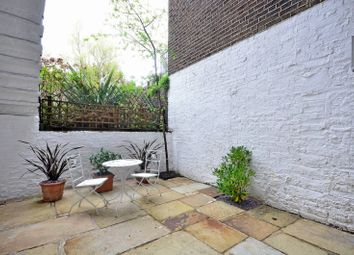 Thumbnail 2 bedroom flat to rent in Royal Crescent, Holland Park