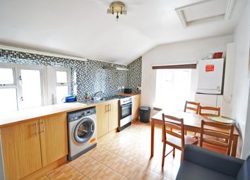 3 bed maisonette to rent in Albion Road, Stoke Newington N16