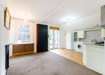2 bed maisonette to rent in Monument Road, Woking GU21