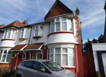 Thumbnail 2 bed flat to rent in Tickfield Avenue, Southend-On-Sea