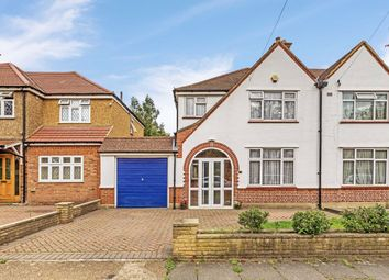 Blossom Waye, Heston, Hounslow TW5. 3 bed property