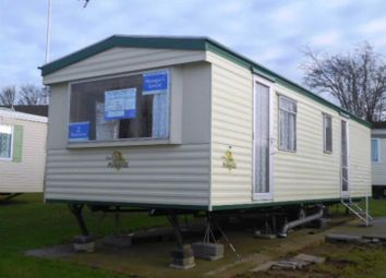 Thumbnail Mobile/park home for sale in Manor Road, Hunstanton