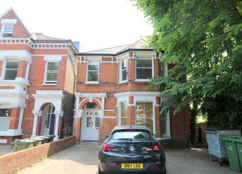 3 bed flat to rent in Palace Road, London SW2