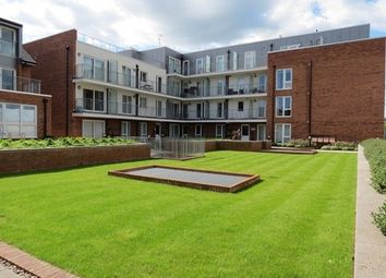 Thumbnail 1 bed flat to rent in Holdsworth Lodge, Lankaster Gardens, East Finchley