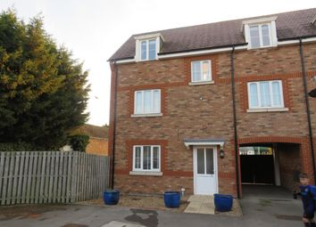 Thumbnail 4 bed property to rent in Manor Avenue, Hockliffe, Leighton Buzzard