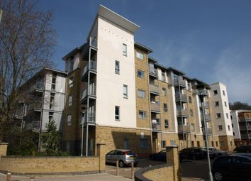 1 bed flat to rent in Coombe Way, Farnborough GU14