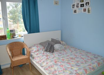 2 bed flat to rent in Mill Farm Crescent, Feltham TW4