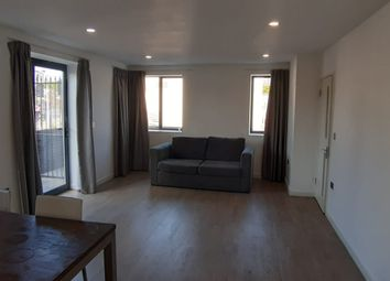 2 bed maisonette to rent in Butchers Road, London E16