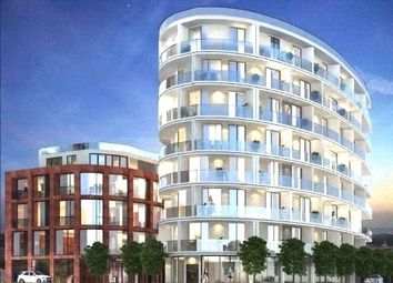 Thumbnail 2 bed flat for sale in Gateway House, Regents Park Road, Finchley, London