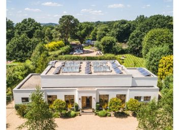 Nutbourne Common, Pulborough RH20. 5 bed country house