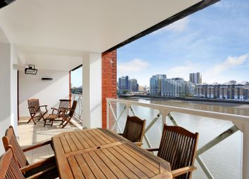 Thumbnail 4 bed property to rent in Sailmakers Court, William Morris Way, Fulham