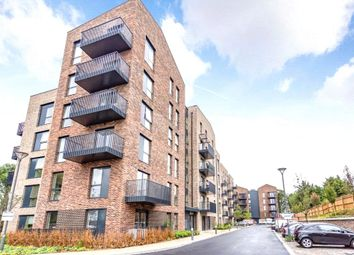 Oak Lodge, 2 Riverwell Close, Watford, Hertfordshire WD18. 1 bed flat for sale