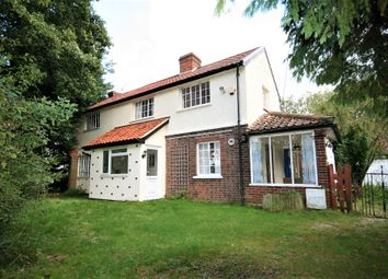 Thumbnail 3 bed detached house for sale in Fyfield Road, Ongar