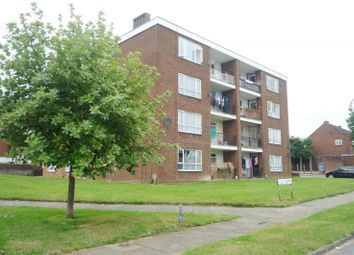 Thumbnail 2 bedroom flat to rent in Abbots Avenue West, St.Albans