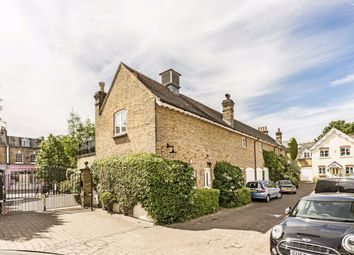 Thumbnail 2 bed property for sale in Angel Mews, London
