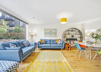 Thumbnail 5 bedroom terraced house to rent in Boaters Avenue, Brentford
