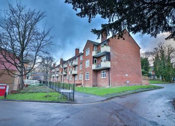 3 bed flat for sale in Salway Close, Woodford Green IG8