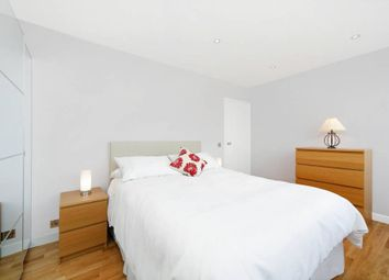 Thumbnail 2 bedroom flat to rent in Waterford House, Kensington Park Road, London