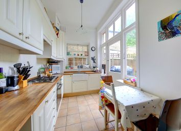 Thumbnail 3 bedroom flat to rent in West Hill, Putney