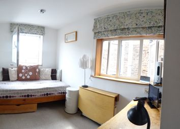 Thumbnail Studio to rent in St Petersburgh Place, Bayswater, London