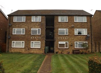 Thumbnail 2 bed flat to rent in Horley Row, Horley