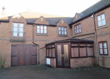 Thumbnail 5 bed terraced house to rent in Lynn Road, Wisbech