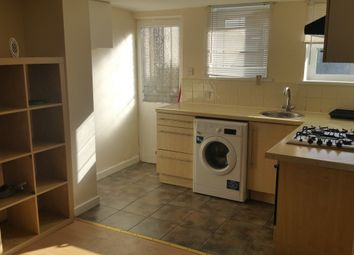 Thumbnail 5 bed terraced house to rent in Cross Flatts Avenue, Beeston, Leeds