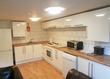 Thumbnail 5 bed flat to rent in Flat 1 17 Clifton Avenue, Fallowfield