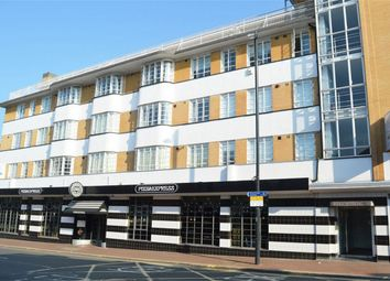 Thumbnail 1 bed flat to rent in Red Lion Street, Richmond, Surrey