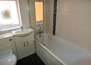 2 bed property to rent in Marshall Place, New Haw, Addlestone KT15