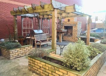Thumbnail 2 bed property to rent in Court Road, Barry