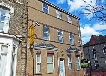 2 bed flat to rent in Peel Court, Spring Bank HU3