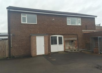 Thumbnail 3 bed flat to rent in Throne Road, Rowley Regis