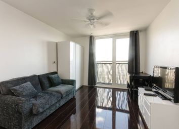 Thumbnail 1 bed flat to rent in Woods House, Grosvenor Waterside, Gatliff Road, Chelsea