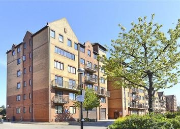 Thumbnail 1 bed flat to rent in Amsterdam Road, Docklands, London