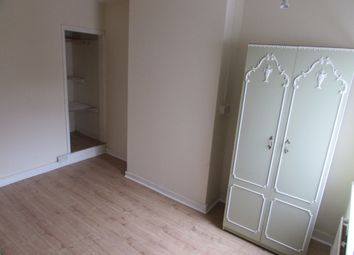 Thumbnail Room to rent in Wood Street, Kettering