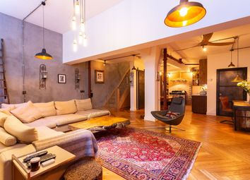 Thumbnail 2 bedroom flat for sale in Bethnal Green Road, London