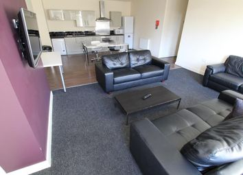 Thumbnail 5 bed flat to rent in Godwin Street, Bradford