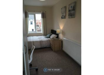 Thumbnail Room to rent in Priory Avenue, Taunton