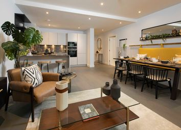 Thumbnail 1 bed flat for sale in Crimscott Street, London