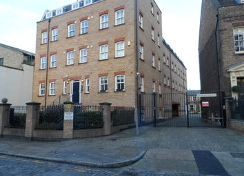 Thumbnail 2 bedroom flat to rent in Hayfield Passage, London