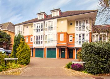 Thumbnail 4 bed town house to rent in Hill View Road, Woking