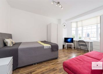 Room to rent in Queensway, London W2