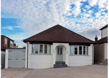 Thumbnail 3 bedroom detached house for sale in Kingswell Ride, Potters Bar