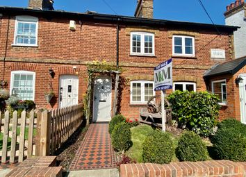 Thumbnail 2 bed cottage to rent in The Ridgeway, Shorne, Gravesend