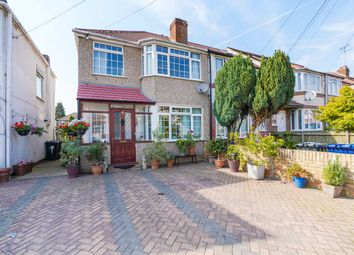 Bleasdale Avenue, Perivale, Greenford UB6. 3 bed flat