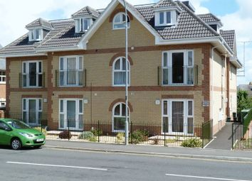 Thumbnail 1 bed flat to rent in Newport Road, Cowes