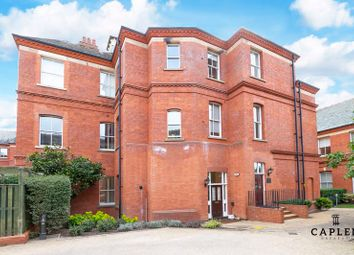 Brandesbury Square, Woodford Green IG8. 2 bed flat