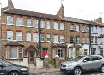 Thumbnail 1 bed flat to rent in Queens Road, Westgate-On-Sea